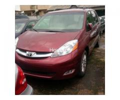 Red 2004 Toyota Sienna Xle - Best Price and Condition Available - Image 1