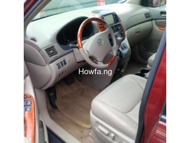 Red 2004 Toyota Sienna Xle - Best Price and Condition Available - 4