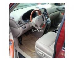 Red 2004 Toyota Sienna Xle - Best Price and Condition Available - Image 4
