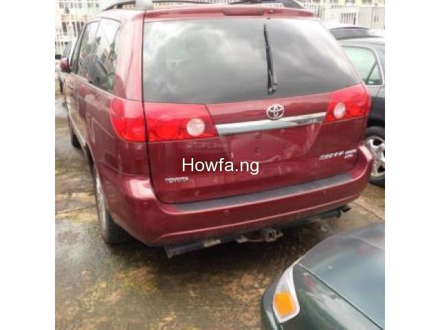 Red 2004 Toyota Sienna Xle - Best Price and Condition Available - 5