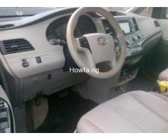Clean Toyota Sienna for sale - Best Price Guaranteed - Call Now - Image 3