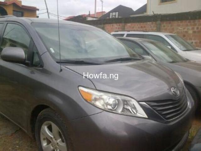Clean Toyota Sienna for sale - Best Price Guaranteed - Call Now - 4