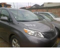 Clean Toyota Sienna for sale - Best Price Guaranteed - Call Now - Image 4