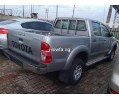 Toyota Hilux - Model  2010 - Superb Clean with reasonable Price - Image 4