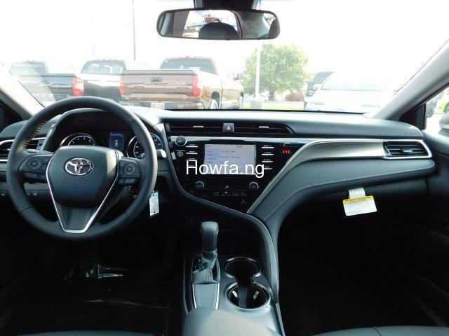 Toyota Camry 2018 for sale - 4