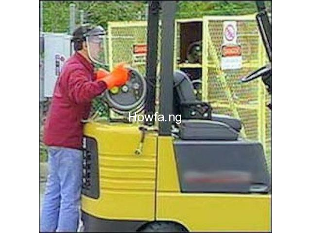 PRACTICAL TRAINING ON FORKLIFT OPERATOR - 8